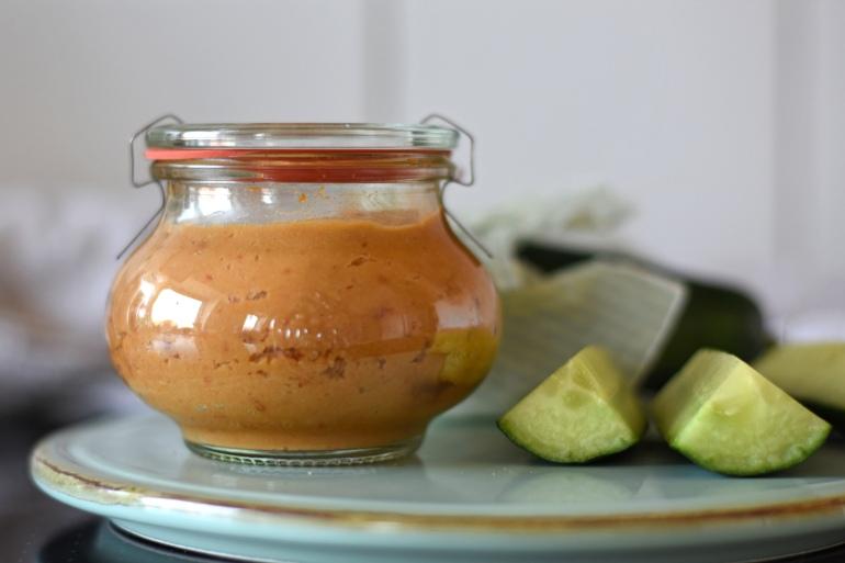 Tomaten Hummus Rezept, Vegane Brotaufstriche selbst machen, DIY Brotaufstriche, Brotaufstrich Rezepte, vegane Aufstriche